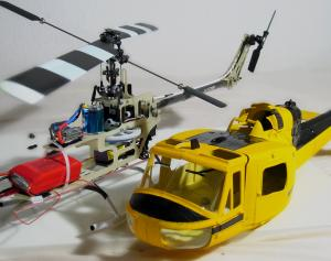 Microhelis Chassie mit UH-1 Rumpf
