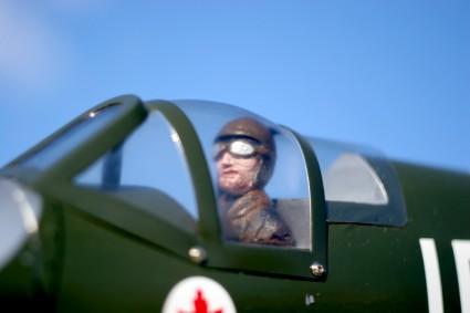 Parkflyer Pilotenpuppe Styro bemalt